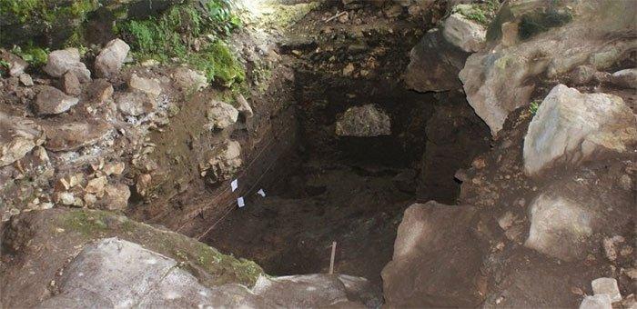 Phục hồi bộ gene người cổ đại từ bùn trong hang động