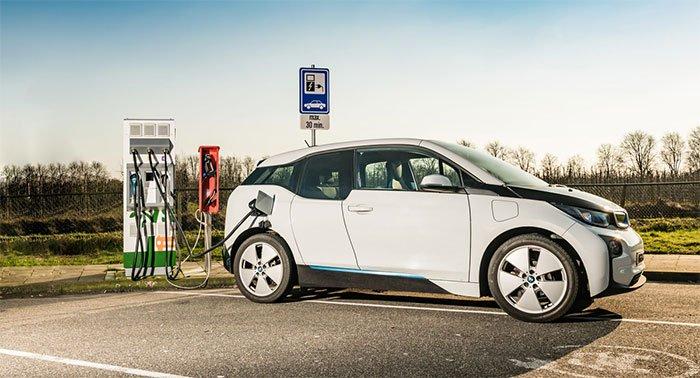 Pin lithium rút ngắn thời gian sạc xe điện