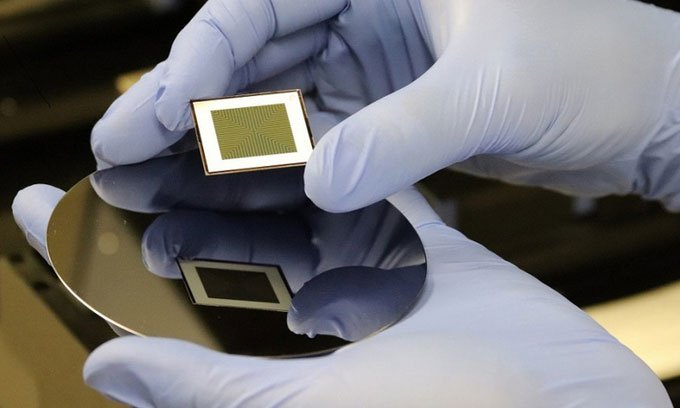 Pin mặt trời hai mặt giúp tăng hiệu quả sản xuất điện