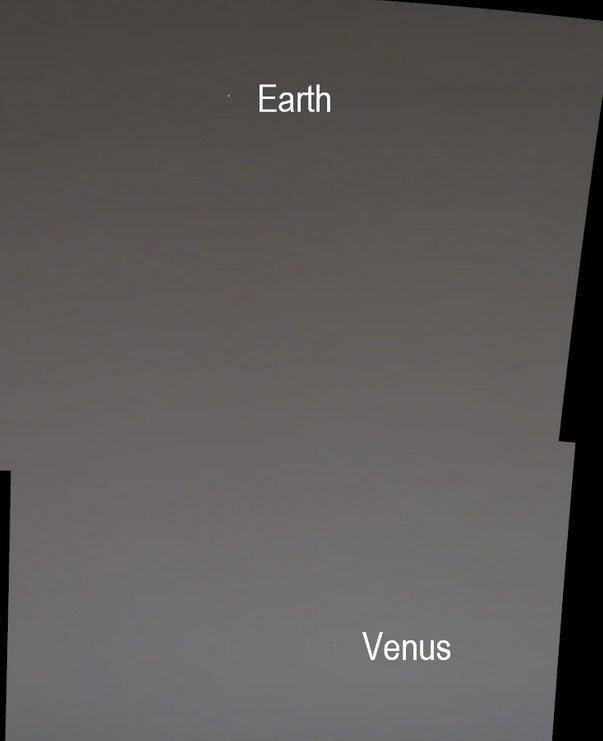 Robot NASA chụp ảnh Trái đất và sao Kim từ sao Hỏa
