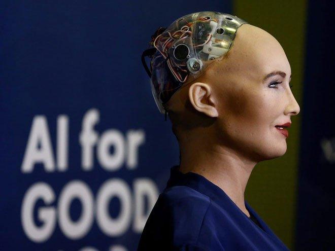 Robot Sophia sắp đấu giá các tác phẩm nghệ thuật đầu tiên