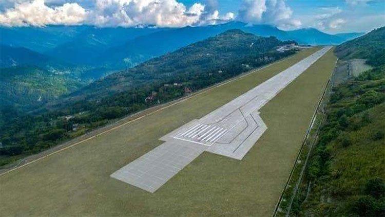 Sân bay đẹp nhất trên nóc nhà thế giới