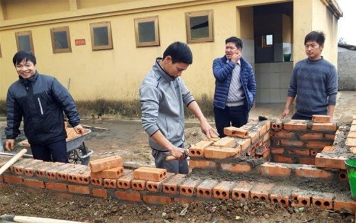 Sáng chế cấp nước nóng từ công nghệ ủ trấu của thầy giáo vùng cao