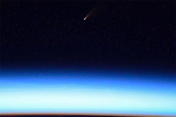 Sao chổi gây thương nhớ và mưa sao băng thắp sáng bầu trời Việt Nam