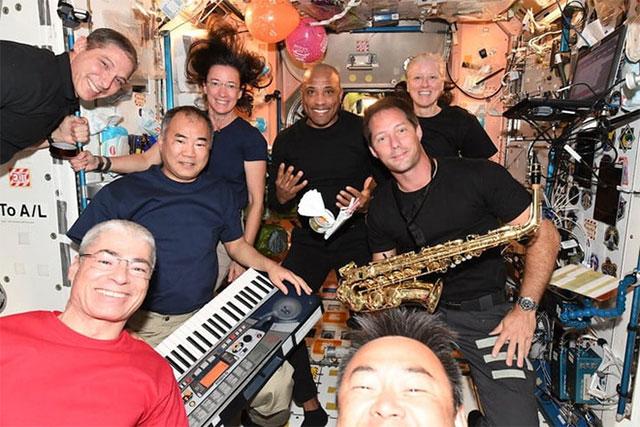 Sinh nhật trên trạm vũ trụ được tổ chức như thế nào?