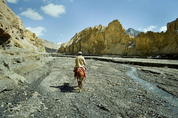 Sông băng ở Himalaya tan hết vào năm 2100 vì biến đổi khí hậu