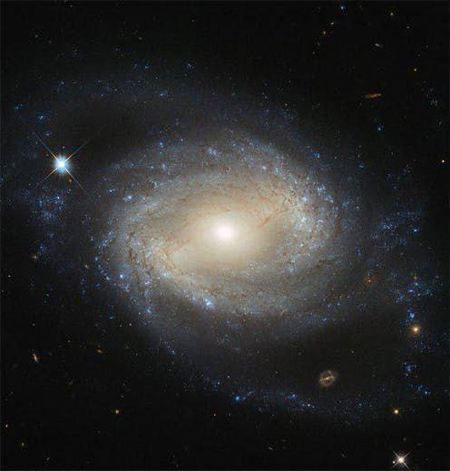 Sự thực gây sốc: Nhiều thiên hà đang bị truy giết