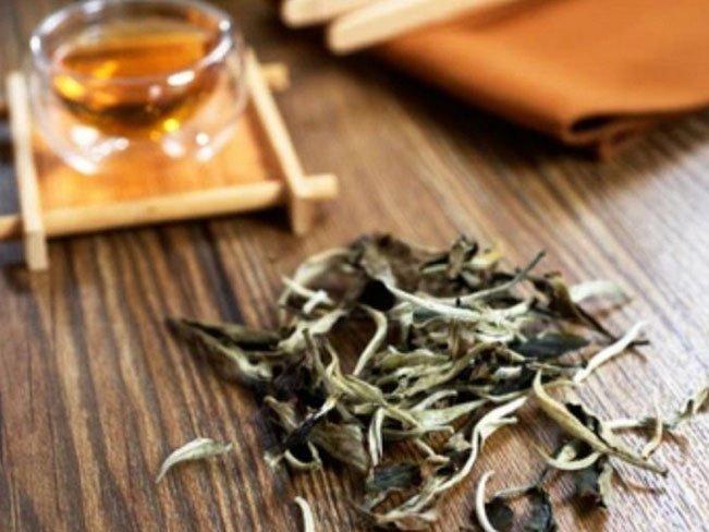 Tác dụng phòng bệnh ít người biết của trà trắng
