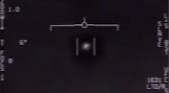 Tác giả đoạn phim chấn động về vật thể bay ngoài hành tinh lần đầu lên tiếng sau 15 năm