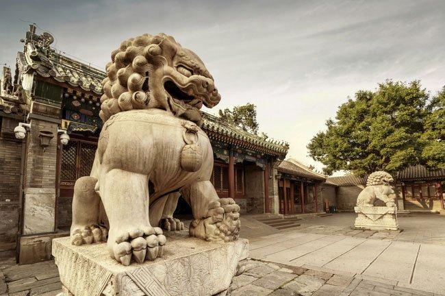 Tại sao các kiến trúc cổ Trung Quốc thường có đôi sư tử đá?