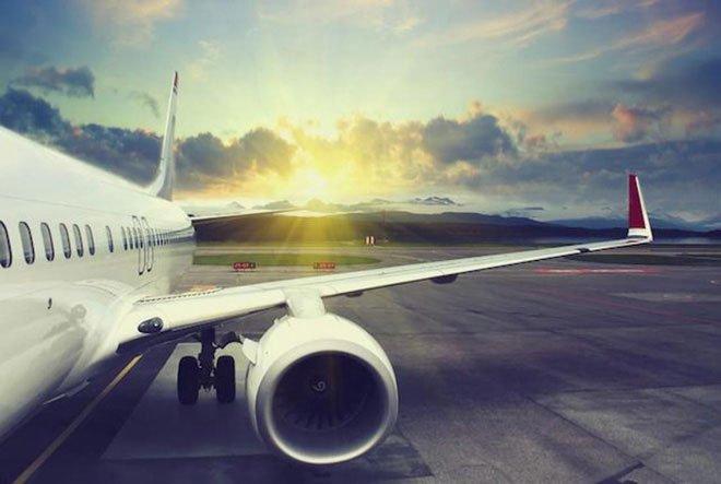Tại sao các máy bay thương mại không trang bị dù cho các hành khách khi bay?