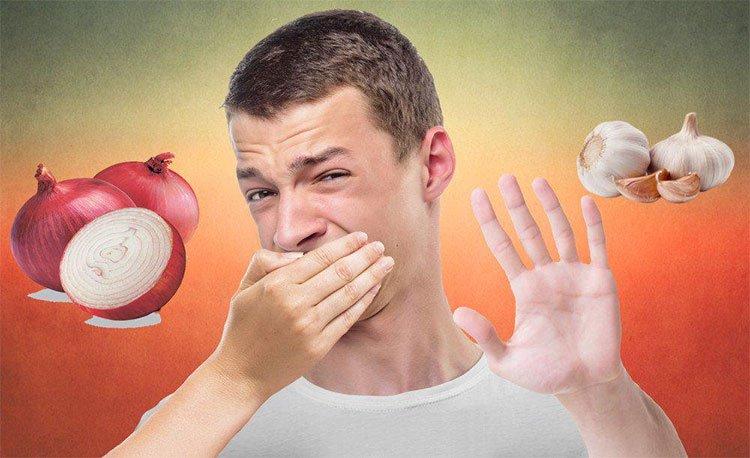 Tại sao chúng ta không chịu được hơi thở có mùi tỏi?