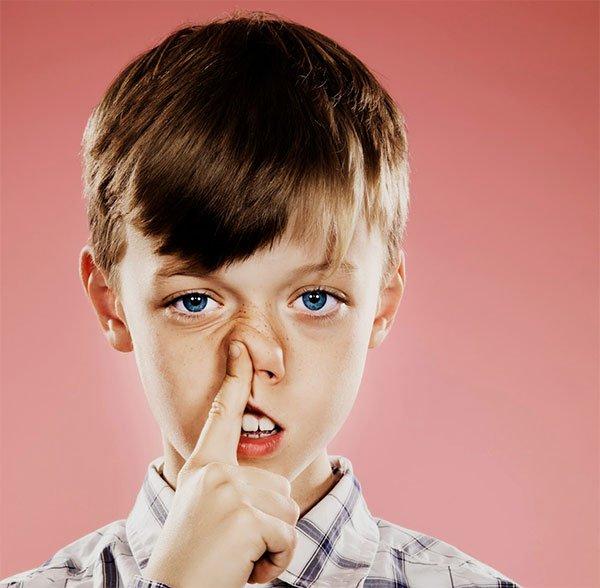 Tại sao chúng ta lại có gỉ mũi?