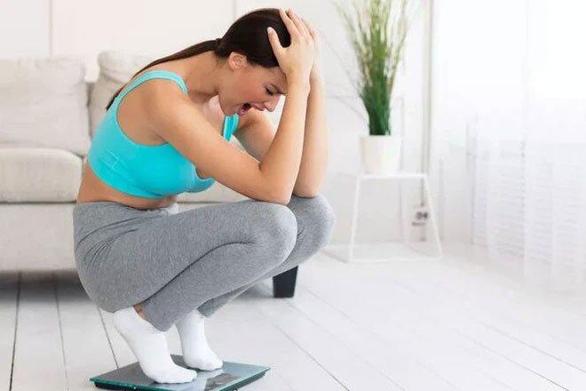 Tại sao đôi khi tập thể dục vã mồ hôi mà cân nặng lại tăng?