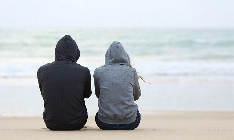 Tại sao những cặp đôi không hạnh phúc lại sống với nhau rất lâu?