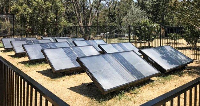 Tạo ra tấm lọc nước từ không khí, phó giáo sư trường Arizona được giải thưởng nửa triệu USD