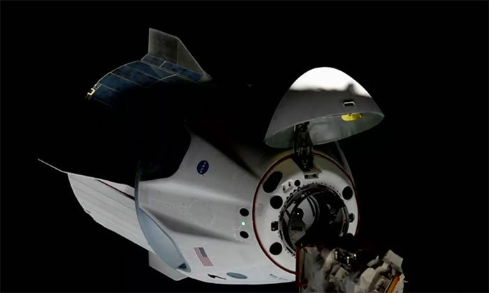 Tập đoàn SpaceX phóng tàu vũ trụ đưa 4 nhà du hành lên ISS