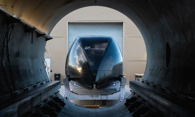 Tàu siêu tốc Virgin Hyperloop lần đầu thử nghiệm chở người