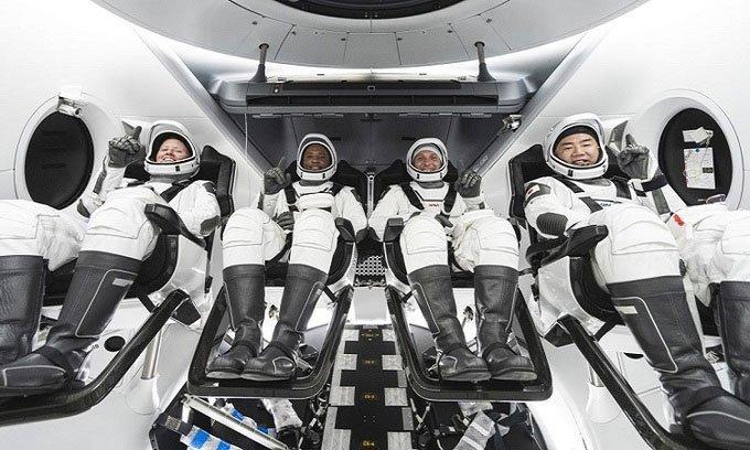 Tàu SpaceX sẽ chở 4 phi hành gia lên ISS vào tháng 10