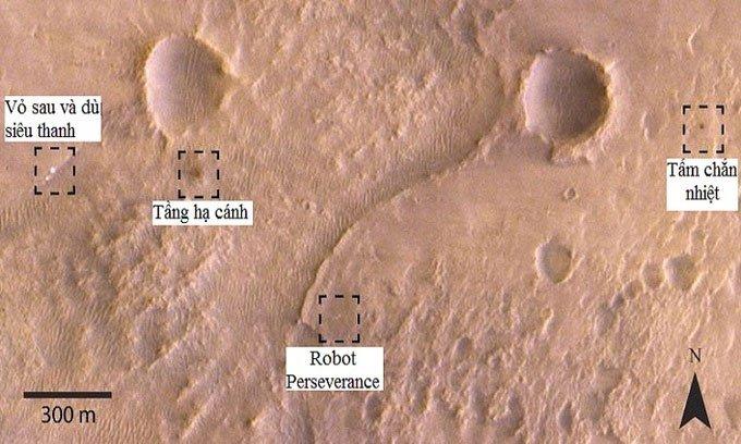 Tàu vũ trụ chụp ảnh robot NASA trên bề mặt sao Hỏa