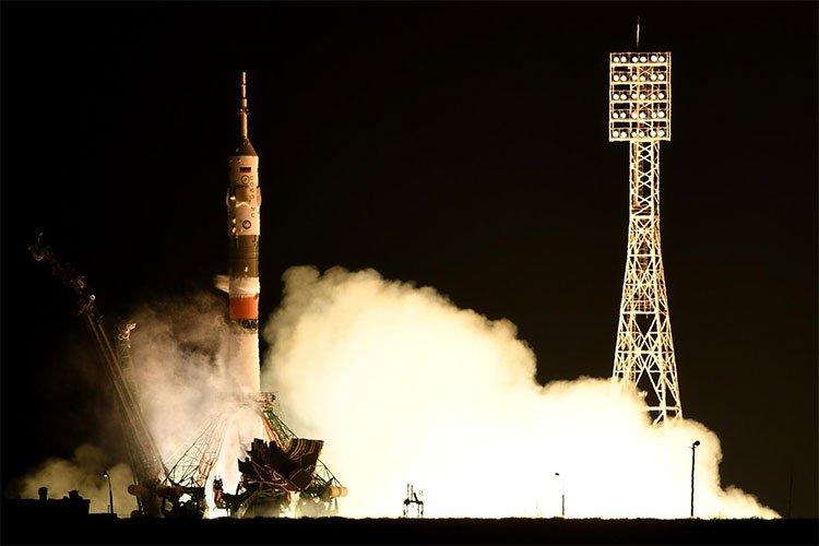 Tàu vũ trụ không người lái chở robot hình người của Nga đáp thất bại
