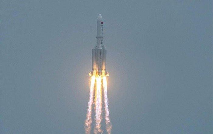 Tên lửa 21 tấn Trung Quốc rơi xuống Trái đất không kiểm soát, chưa biết rơi xuống đâu