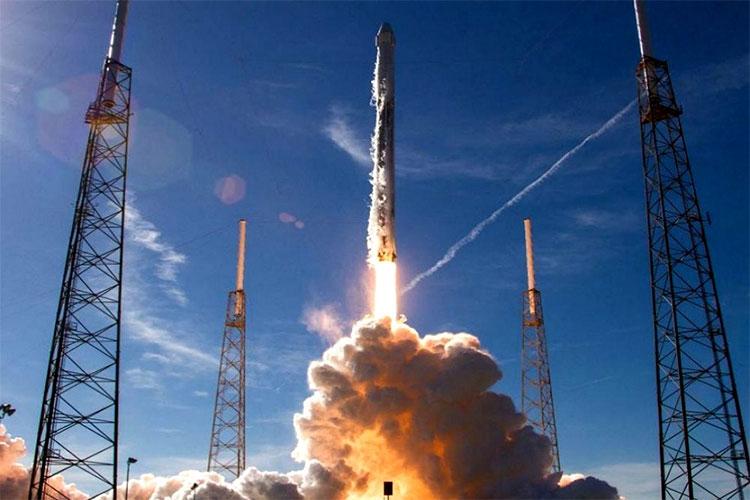 Tên lửa tái sử dụng SpaceX lập hai kỉ lục trong một ngày