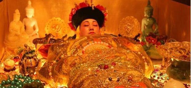 Tên trộm mộ khét tiếng: Cả gan bật nắp quan tài Từ Hi Thái hậu, càn quét lăng Càn Long