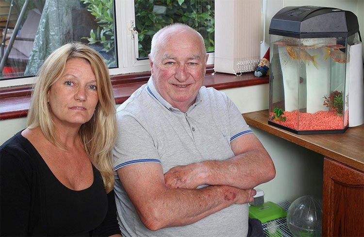 Thành viên còn lại của cặp cá vàng thọ nhất Anh Quốc vừa mất, thọ 44 tuổi