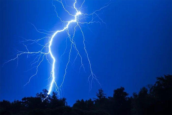 Thay đổi thời tiết có thể gây ra hiện tượng đau đầu như thế nào?