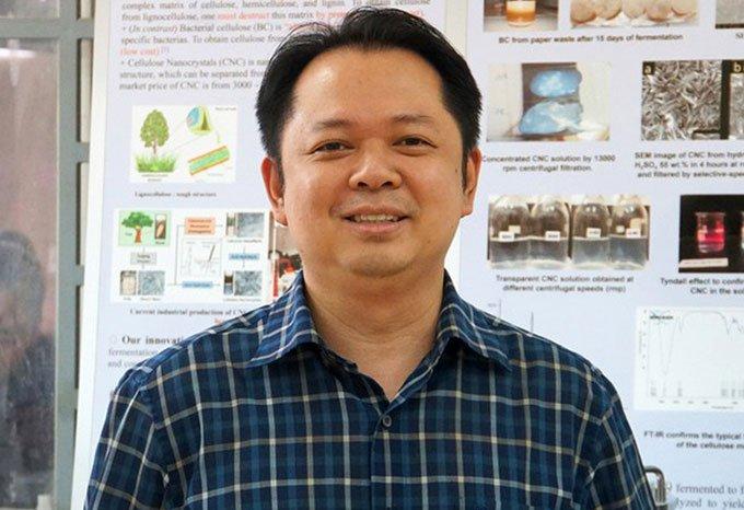 Thầy trò trường đại học Bách Khoa biến bùn giấy thành vật liệu siêu bền