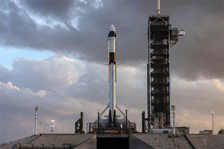 Theo dõi trực tiếp phóng tàu Long Đội - Con tàu đầu tiên SpaceX kết hợp với NASA