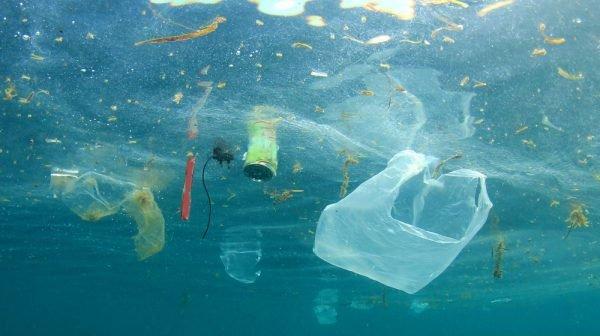 Thiên tài 12 tuổi phát minh ra máy lọc chất thải nhựa dưới đại dương