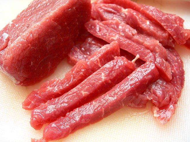 Thịt sống: Món ăn khoái khẩu lạ kỳ của người dân Ethiopia