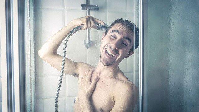 Thử thách tắm nước lạnh mỗi sáng trong 1 tháng: Không bị cảm lạnh mà còn tràn trề năng lượng!
