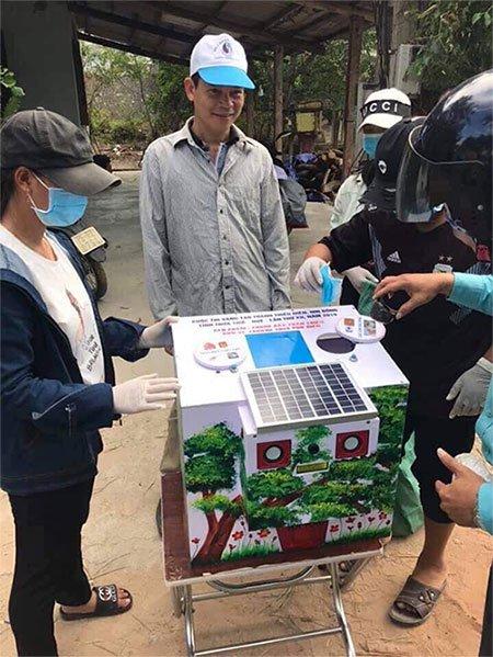 Thùng rác 4.0 thân thiện của nhóm học sinh giúp phân loại rác chính xác