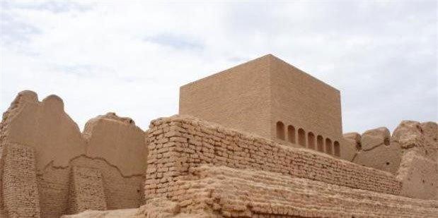 Tìm thấy mộ cổ nghìn năm của danh tướng trên sa mạc: Vì sao quan tài làm bằng giấy?