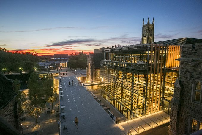 Top 10 tòa nhà đại học lạ nhất thế giới