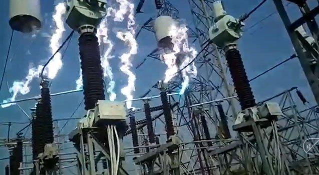 Trạm điện bỗng phát ra các tia sáng có nhiệt độ lên đến 3.500 độ C, đây là hiện tượng gì?