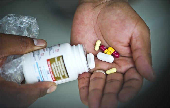 Triệu chứng nhiễm HIV qua từng giai đoạn