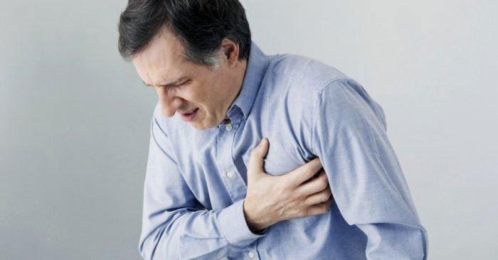Tức ngực khó thở buồn nôn, nguyên nhân do đâu?