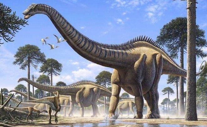 Tượng đá bí ẩn khiến ta đặt ra giả thuyết : Phải chăng con người đã sống cùng thời với khủng long?