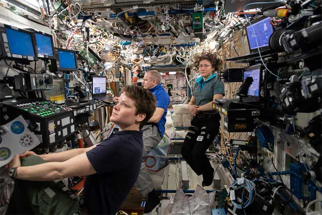 Tương lai bất định của trạm vũ trụ ISS khi NASA trở lại Mặt trăng