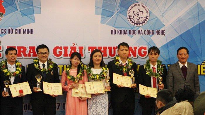 Tuyến trùng có vai trò đặc biệt gì mà nữ tiến sĩ Việt dành cả thập kỉ để giải mã?