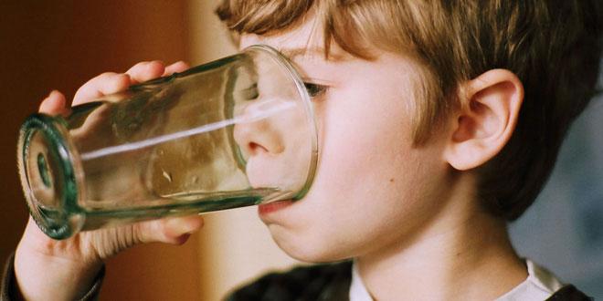 Uống nước nhiễm chì nguy hiểm như thế nào?