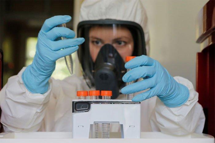 Vaccine Covid-19 của Nga tạo kháng thể ở 100% người được tiêm thử