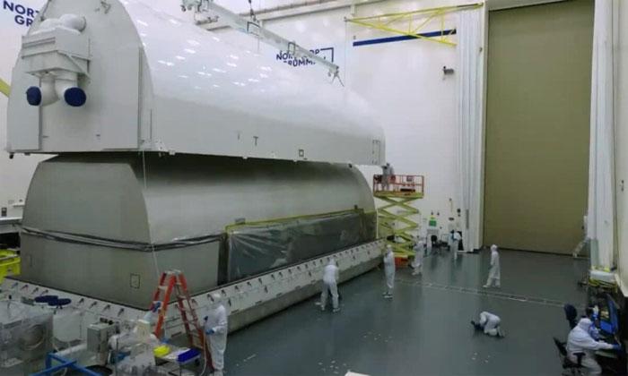Vận chuyển kính viễn vọng 10 tỷ USD bằng valykhổng lồ