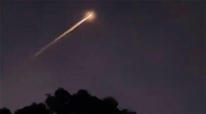 Vật thể bí ẩn xuất hiện trên bầu trời nước Úc