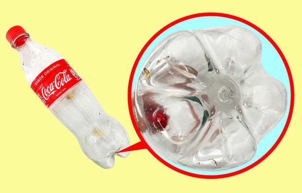Vì sao chai nhựa luôn có phần đáy không bằng phẳng?