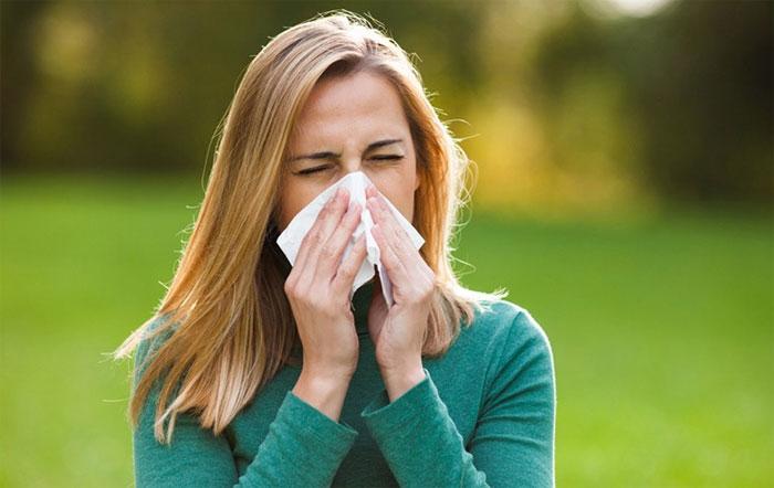 Vì sao khi ốm, người ta chỉ bị tắc một bên mũi?